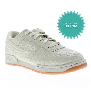 ✨HP✨NIB men's Fila 9.5 original fitness logo shoes